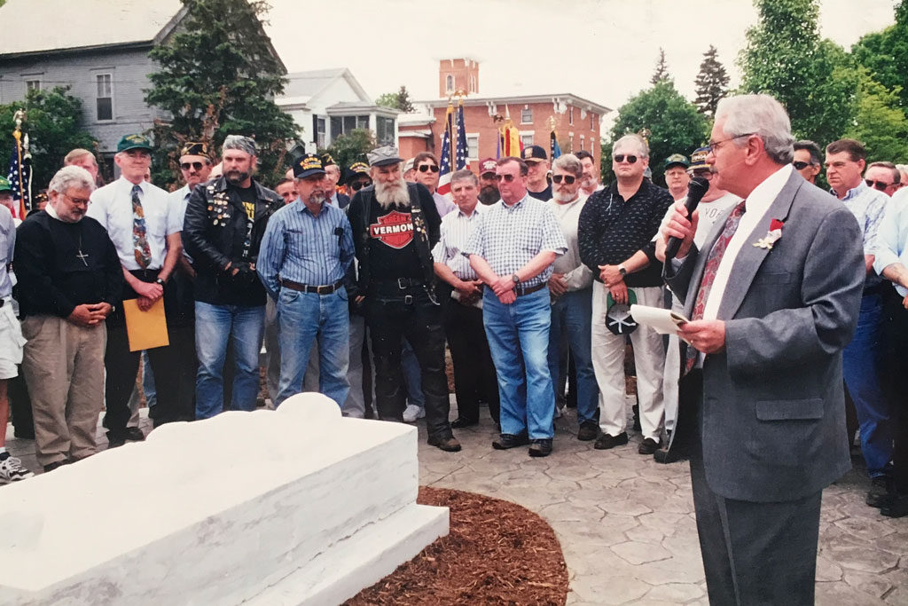 Original memorial dedication May 2000 pic 2